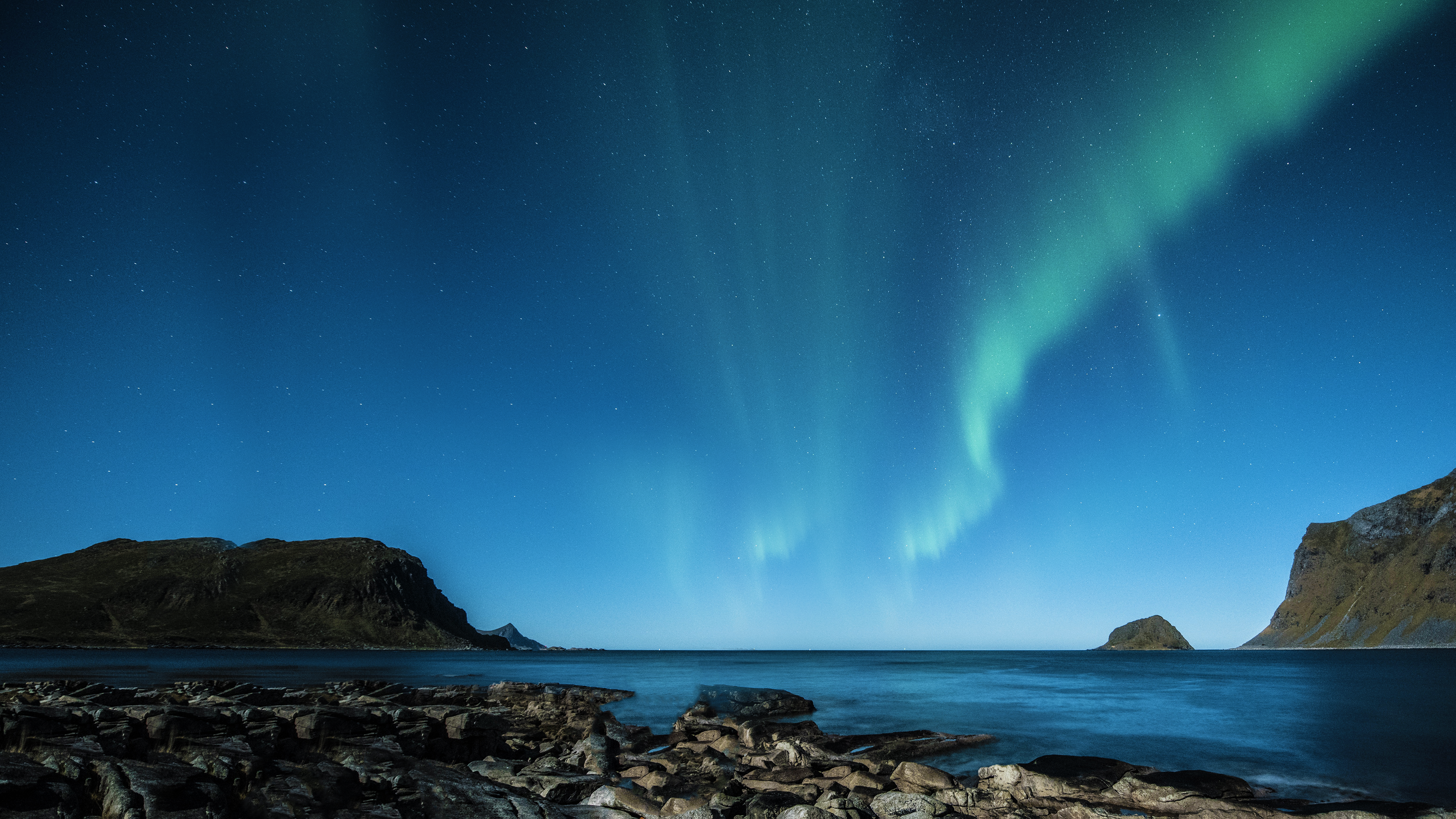 download free hd coastal aurora borealis desktop wallpaper in 4k 0094